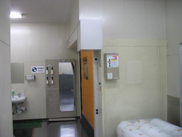 クリーンルーム製袋工場 前室
